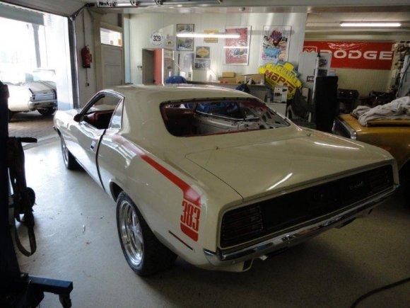 1970 - Cuda 33.jpg